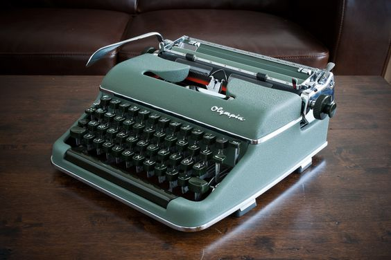 http://www.wiseheadproductions.com/ftp/photo/typewriter/91fea64c41cc63d1589ddb4069d9ba2a--olympia-typewriters.jpg